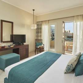 Mosaique-Hotel-El-Gouna-Red-Sea-Egypt-king-bed