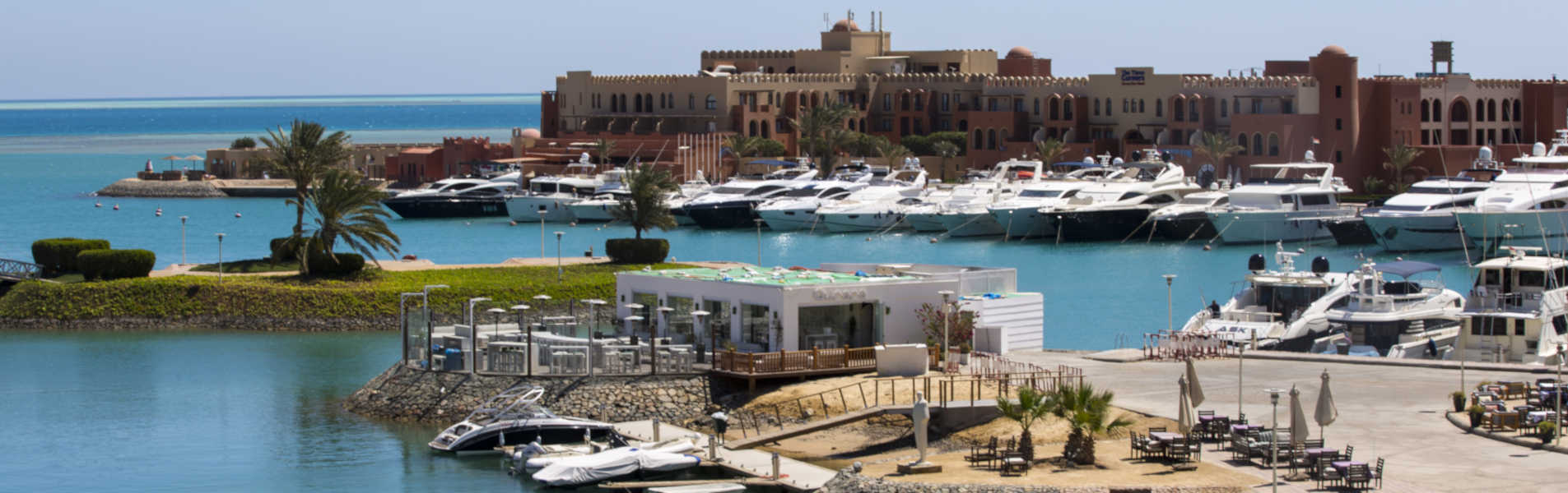 overview of aurora club in abu tig marina el gouna